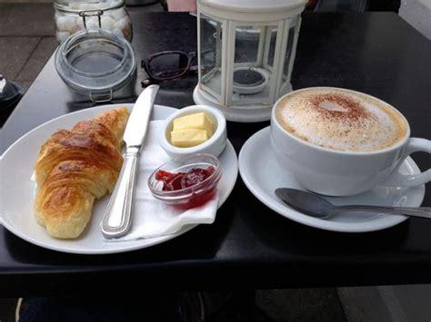 Breakfast restaurants near me   PlacesNearMeNow