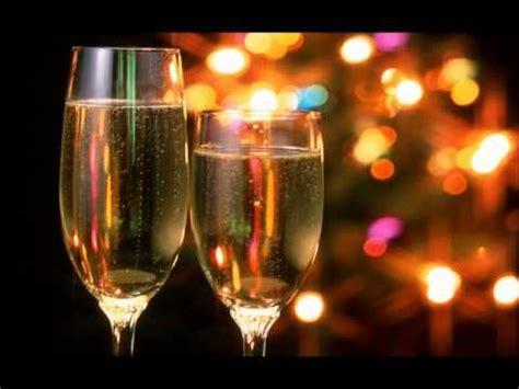 Brindo por tu cumpleaños  Los Caminantes...  feliz cumple ...