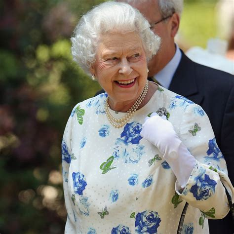 Britain s Queen Elizabeth II to gradually hand over charge ...
