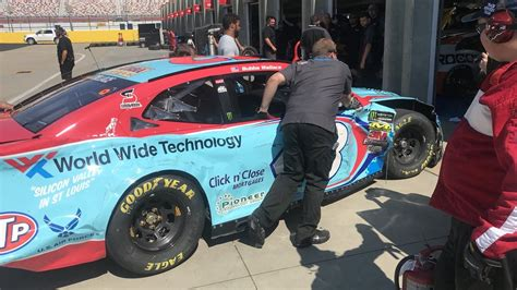 Bubba Wallace wrecks during Charlotte road course test ...