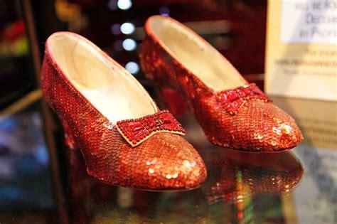 Buscan los zapatos perdidos de Dorothy en el Mago de Oz