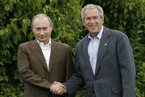Bush meets Putin at seaside summer home