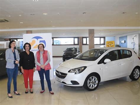 Cabrera Medina dona un coche con fines solidarios ...