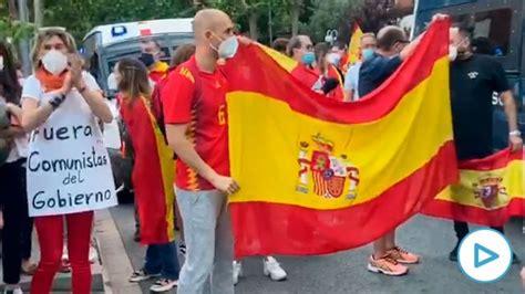 Cacerolada en Barcelona contra el Gobierno de Pedro ...