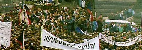 Caída del bloque del Este   Revolución de Terciopelo en ...