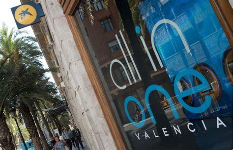 CaixaBank abre en Valencia su primera oficina 'all in one ...