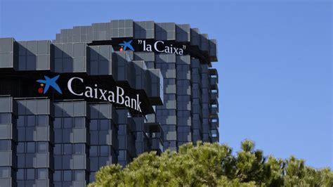 Caixabank apunta a canales digitales y planea cerrar más ...