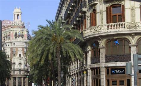 Caixabank proyecta abrir su mayor sucursal de España en la ...