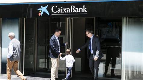 Caixabank reduce el horario de caja.   Defensa del ...