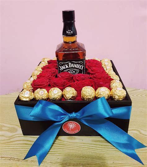 Caja con whiskey Jack Daniel´s y 24 Ferrero Rocher en 2020 ...
