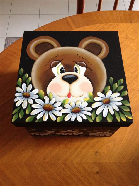 Caja de madera con tierna osita con margaritas, para ...