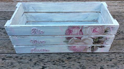 Caja de madera decorada con decapado y decoupage ...