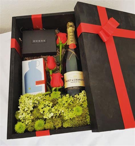 Caja de regalo para caballero con botella de vino y ...