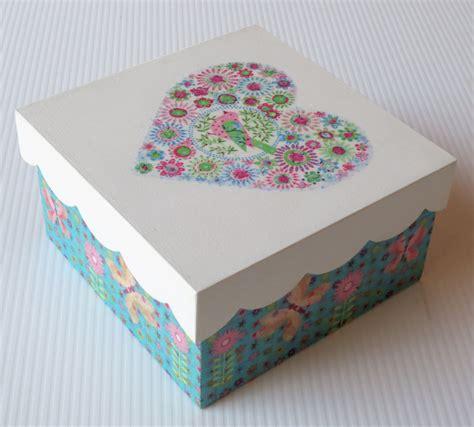 Caja decorada con servilletas decoupage   Cajas de madera ...