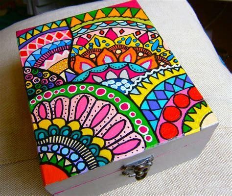 Caja hippy | Cajas pintadas, Cajas de madera pintada ...