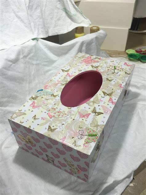 Caja madera decorada para guantes o pañuelos. Decorada en ...
