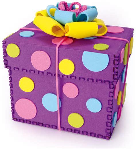 Caja para regalo hecha totalmente de fomi   Dale Detalles