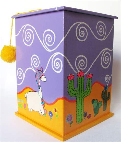 Caja pintada a mano con acrílico y barnizada. Ventana de ...