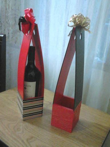 Caja porta vino en fibrofacil   Cajas de vino, Botellas de ...