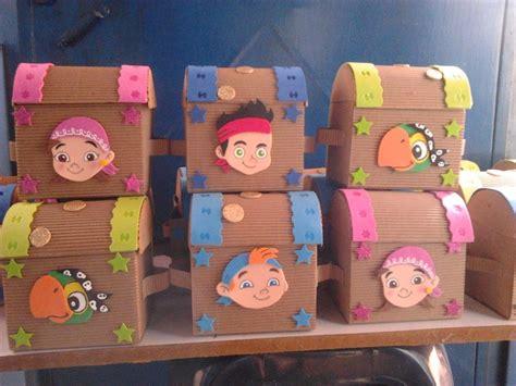 Cajas Decoradas Piñata En Cartón Y Foamy   $ 10.000 en ...