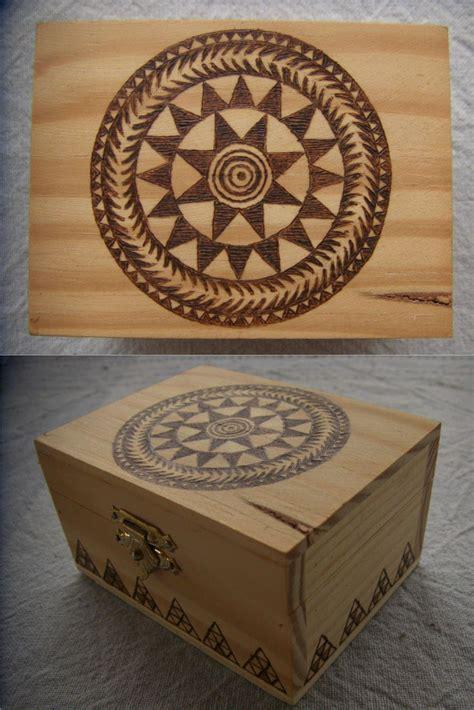 cajas madera pirograbadas   Buscar con Google ...
