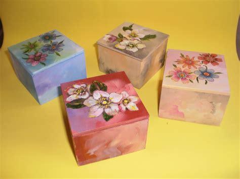 cajas pintadas a mano Sandra Peirano   Artelista.com