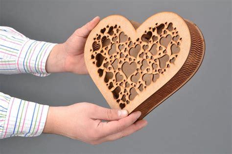 Cajita artesanal de madera contrachapada Corazón: Amazon ...