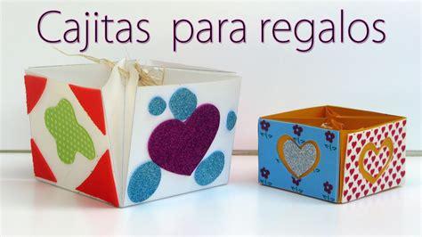 Cajita de regalo hecha con cartulina y decorada con goma ...