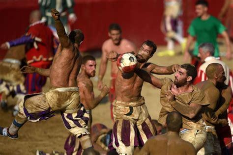 Calcio storico, el fútbol italiano que rememora la ...
