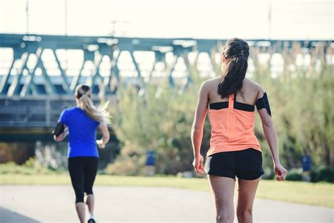 Calories Burned Walking vs. Running the Same Distance