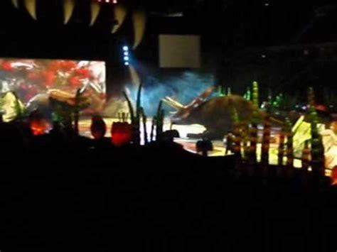 Caminando Entre Dinosaurios. Palacio de los deportes de la ...