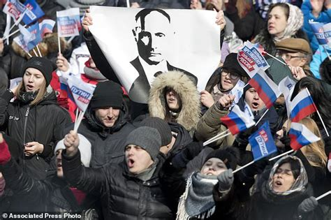 Campaign rally for Putin s re election fills Moscow ...