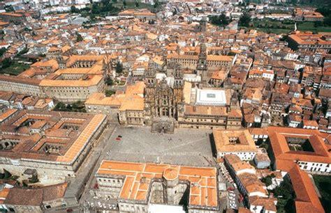 Campus Stellae: Los Caminos a Santiago: Plaza del Obradoiro
