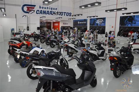Canary Motos celebró anoche la apertura de su tienda en ...