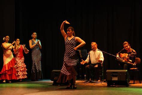Cante, toque y baile en el espectáculo  Arte flamenco ...