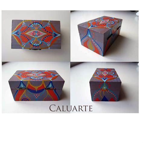 Carlos Rubio : Caja de madera pintada a mano Lila azul