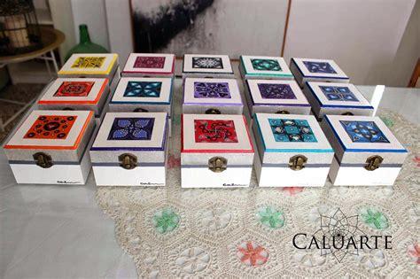 Carlos Rubio : Conjunto de cajas de madera pintadas a mano
