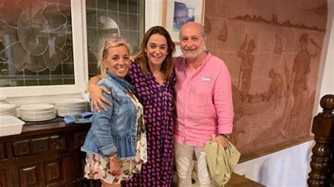 Carmen Borrego mima a Toñi Moreno en pleno embarazo