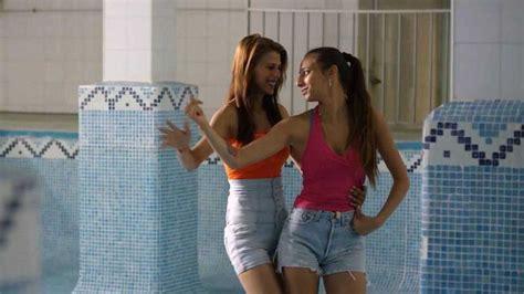 Carmen y Lola , el romance prohibido entre dos chicas ...