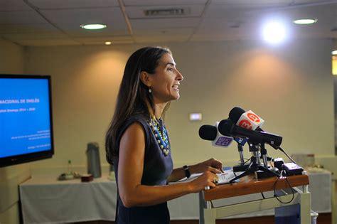 Carolina Schmidt asume como ministra del Medio Ambiente