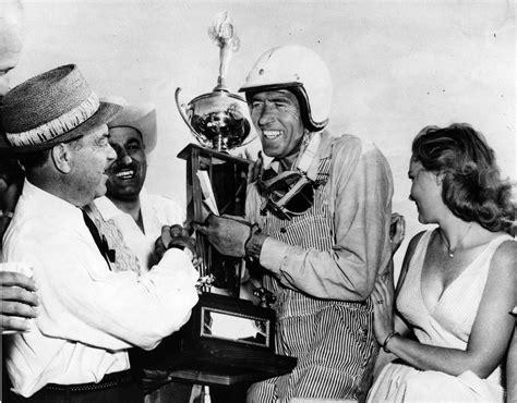 Carroll Shelby, Builder of Cobra Sports Car, Dies at 89 ...