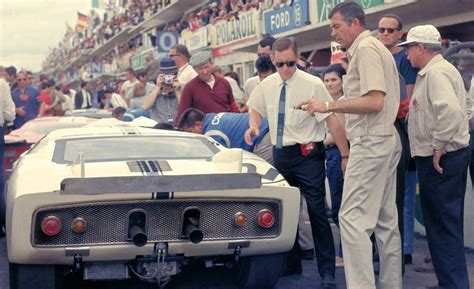 Carroll Shelby Goes Racing With Ford