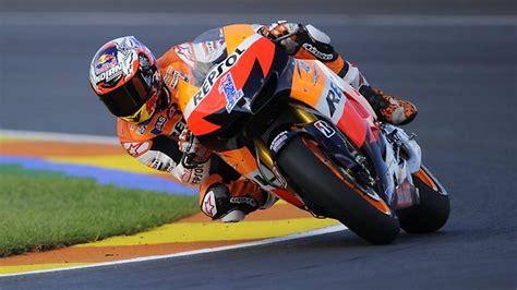 Casey Stoner finishes third in Valencia in last MotoGP race