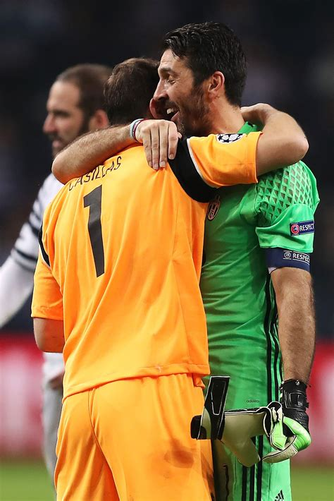@Casillas Gianluigi #Buffon e Iker #Casillas #Legendas # ...