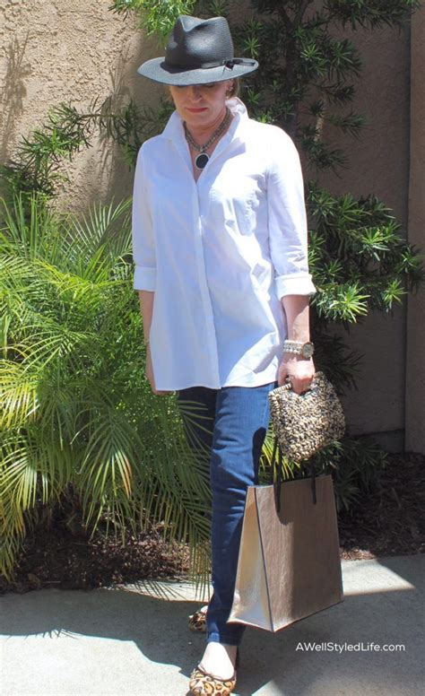 Casual Style for Women Over 50: Running Errands   Crowd ...