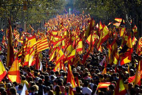 Catalonia LIVE: Violence erupts as Nazi saluting ...