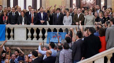 Cataluña declara su independencia de España – Noticias ...