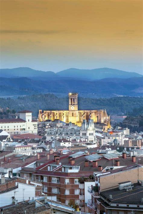 Cataluña, historias que perduran | Ciudad medieval, Viajes ...
