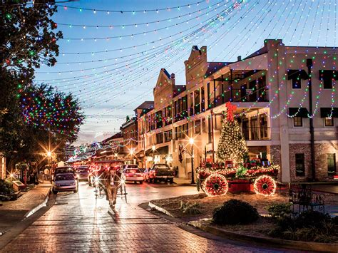 Celebrate the Holidays in Natchitoches Like a Steel ...