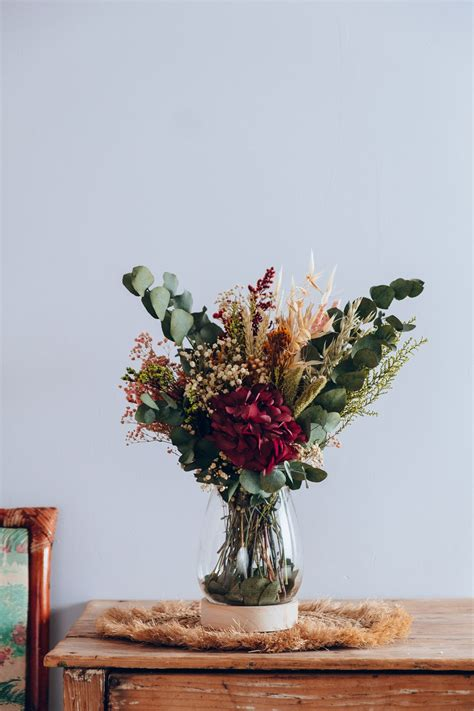 Centro Cassis en 2020 | Jarron de flores, Flores secas ...